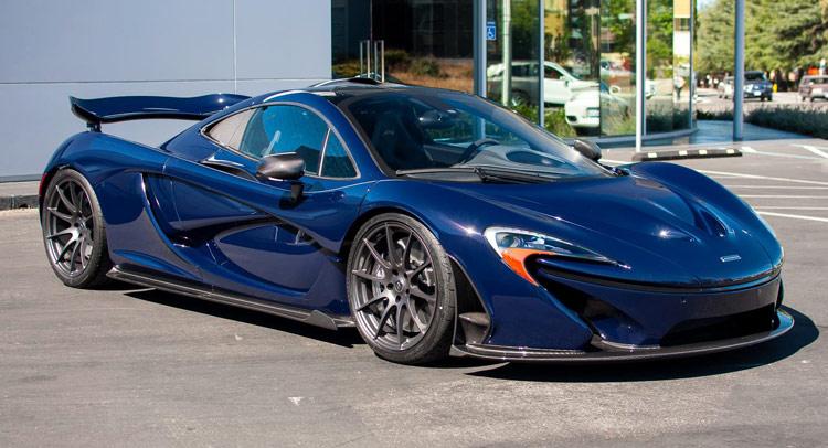 Dark blue car (McLaren-P1-0)