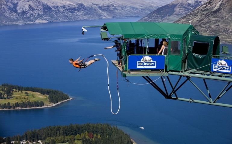 Queenstown, New Zealand, bungee jump