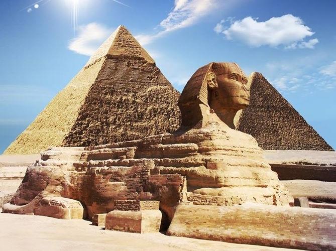Sphinx and pyramid, Cairo, Egypt