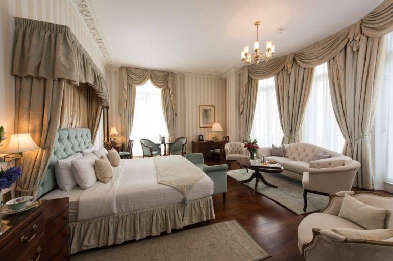 Park International Hotel room
